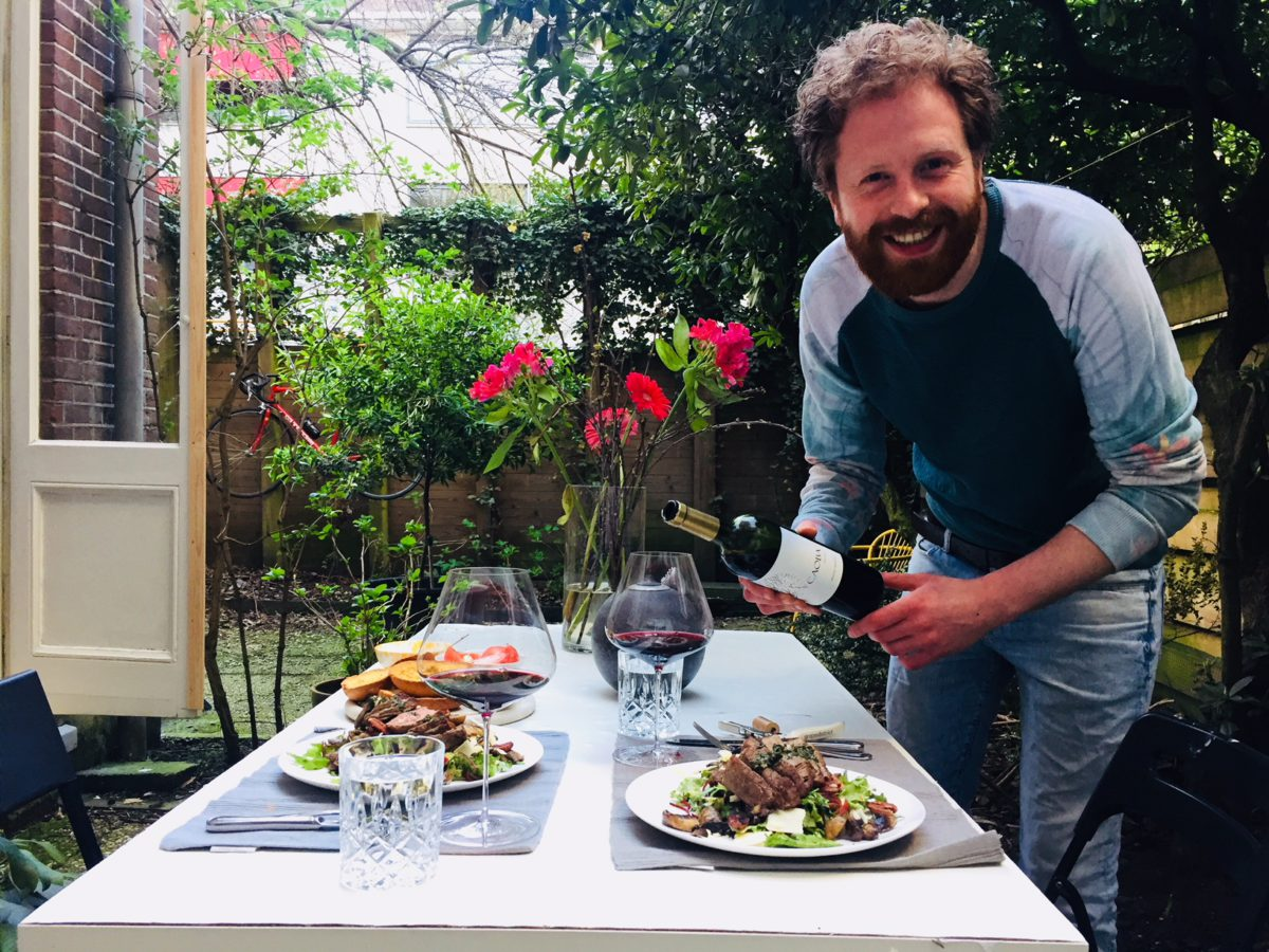 Wijnspijs: Met Biefstuksalade en Chimichurri de tuin in!