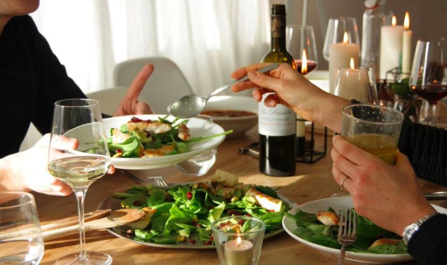 Wijnspijs: Salade met gegrilde kip, cranberry's en de Catalaanse Garnacha Blanca