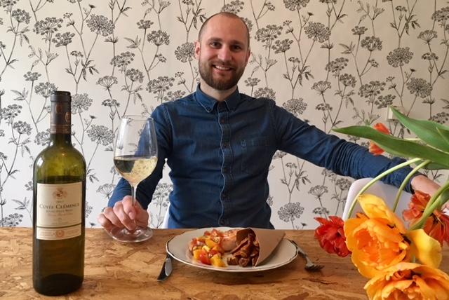 Jaspers wijn-spijs-suggestie: Zalm, mango en zoete aardappelfriet