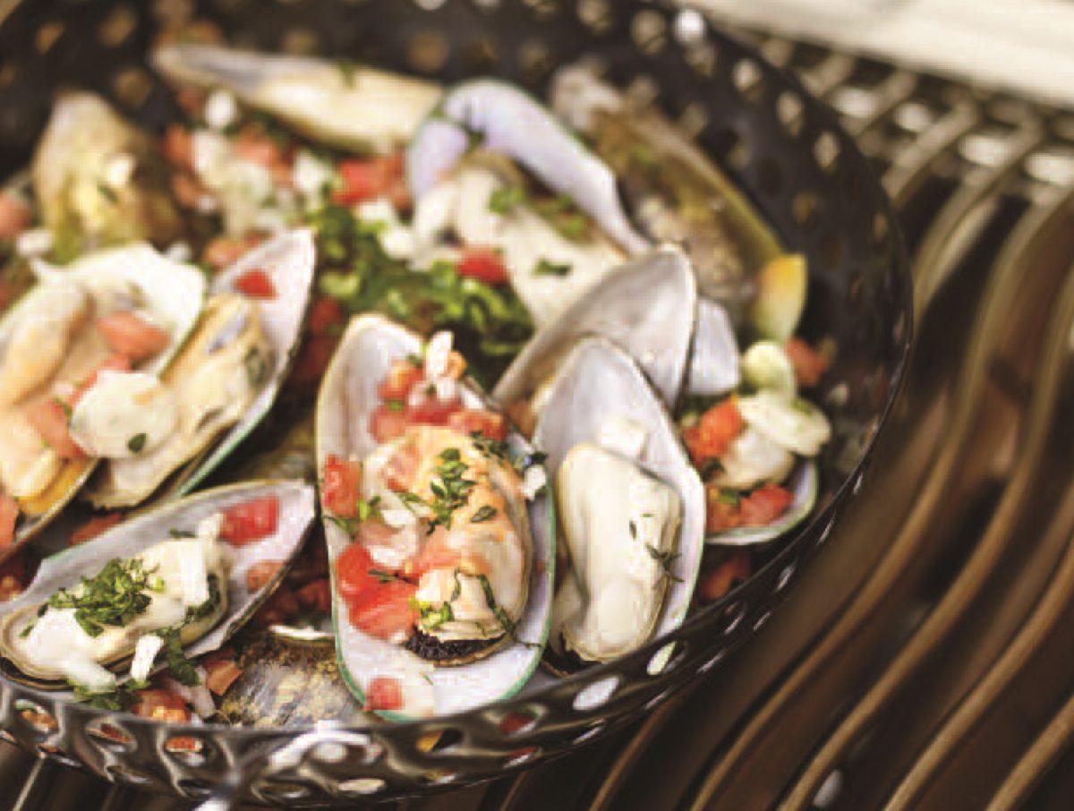 Zeeuwse-mosselen met tomaten en saffraan & onze Vermentino